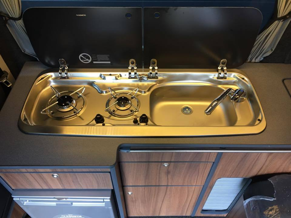 T6_highline_sink_and_hob.jpg