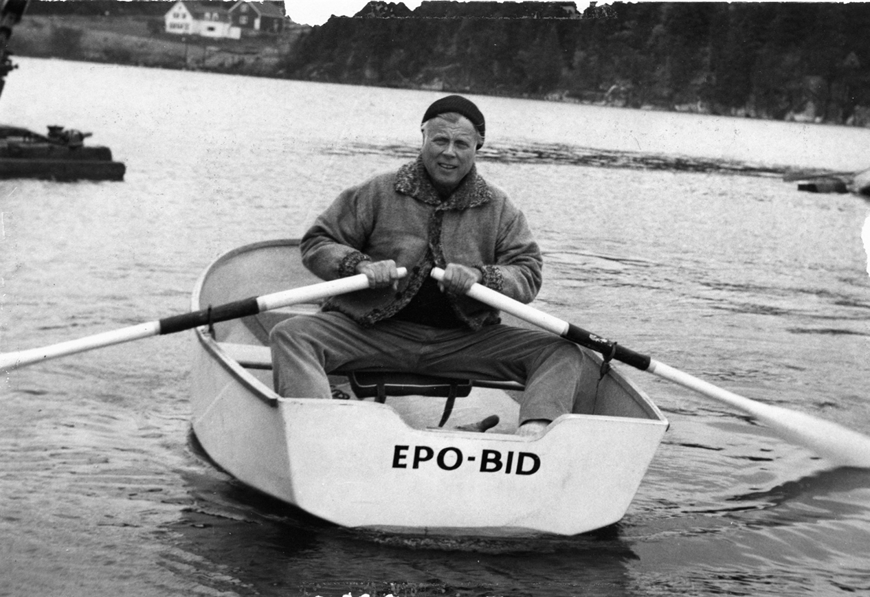 A contributed image of artist William Kienbusch in a rowboat.
