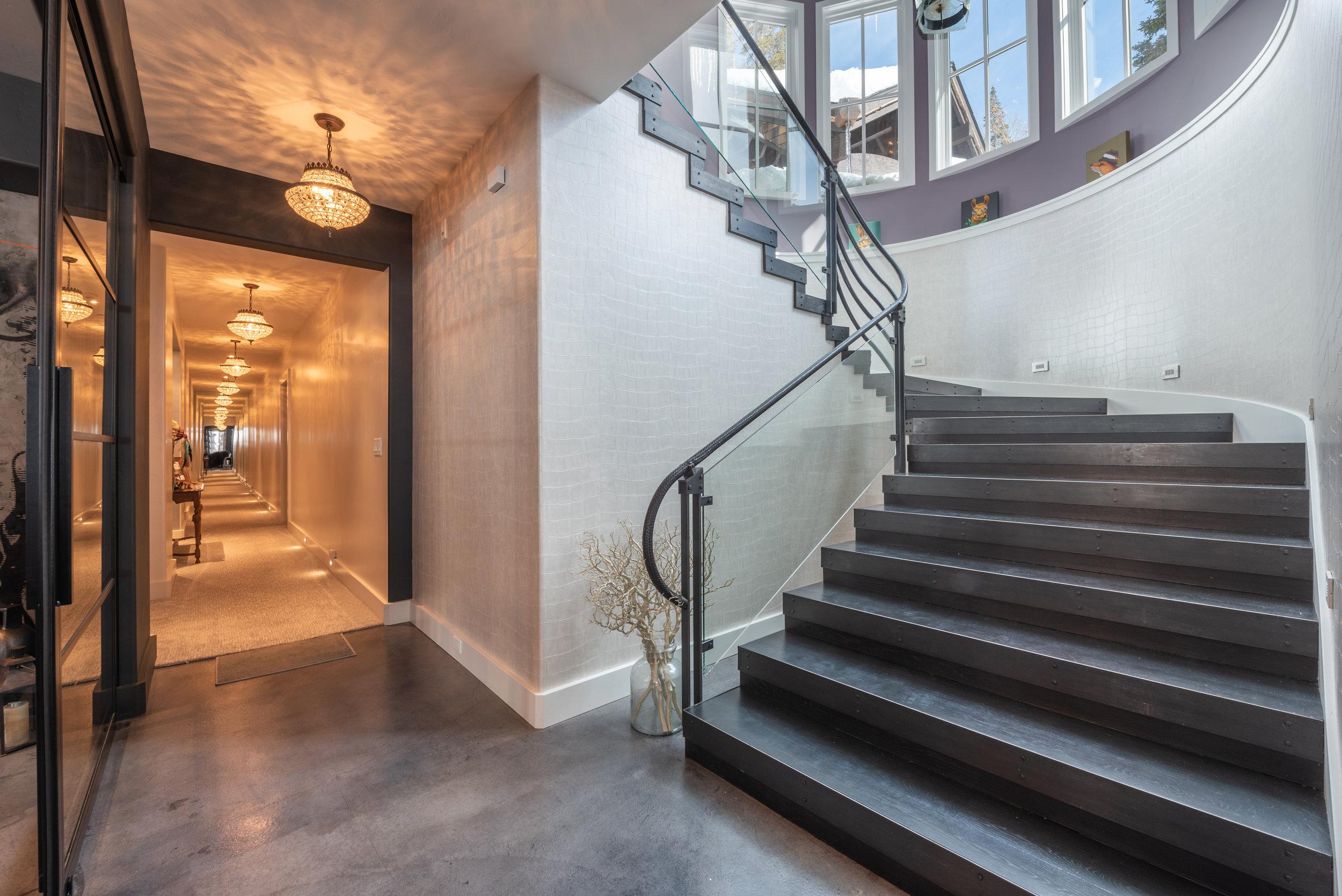Photo-102-Staircase-701.JPG