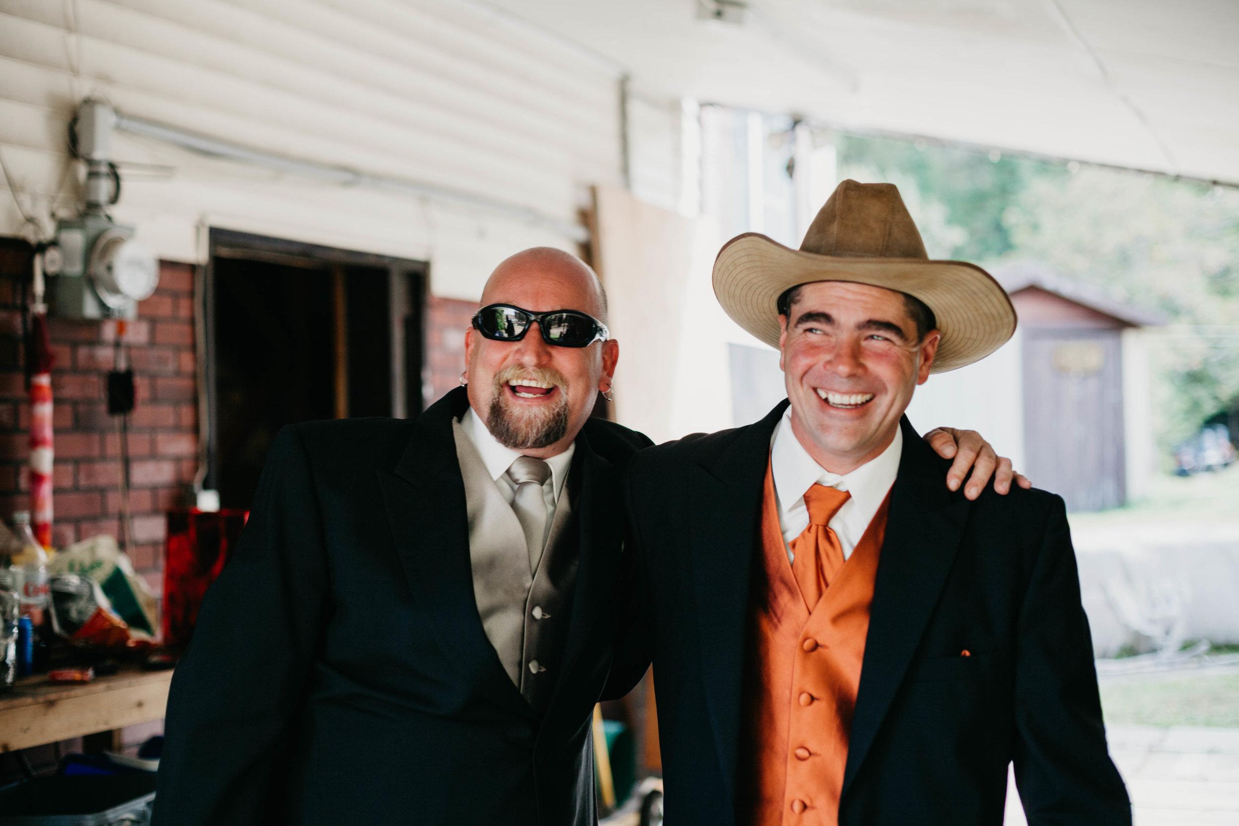 T&I_GettingReady_Wedding-86.jpg