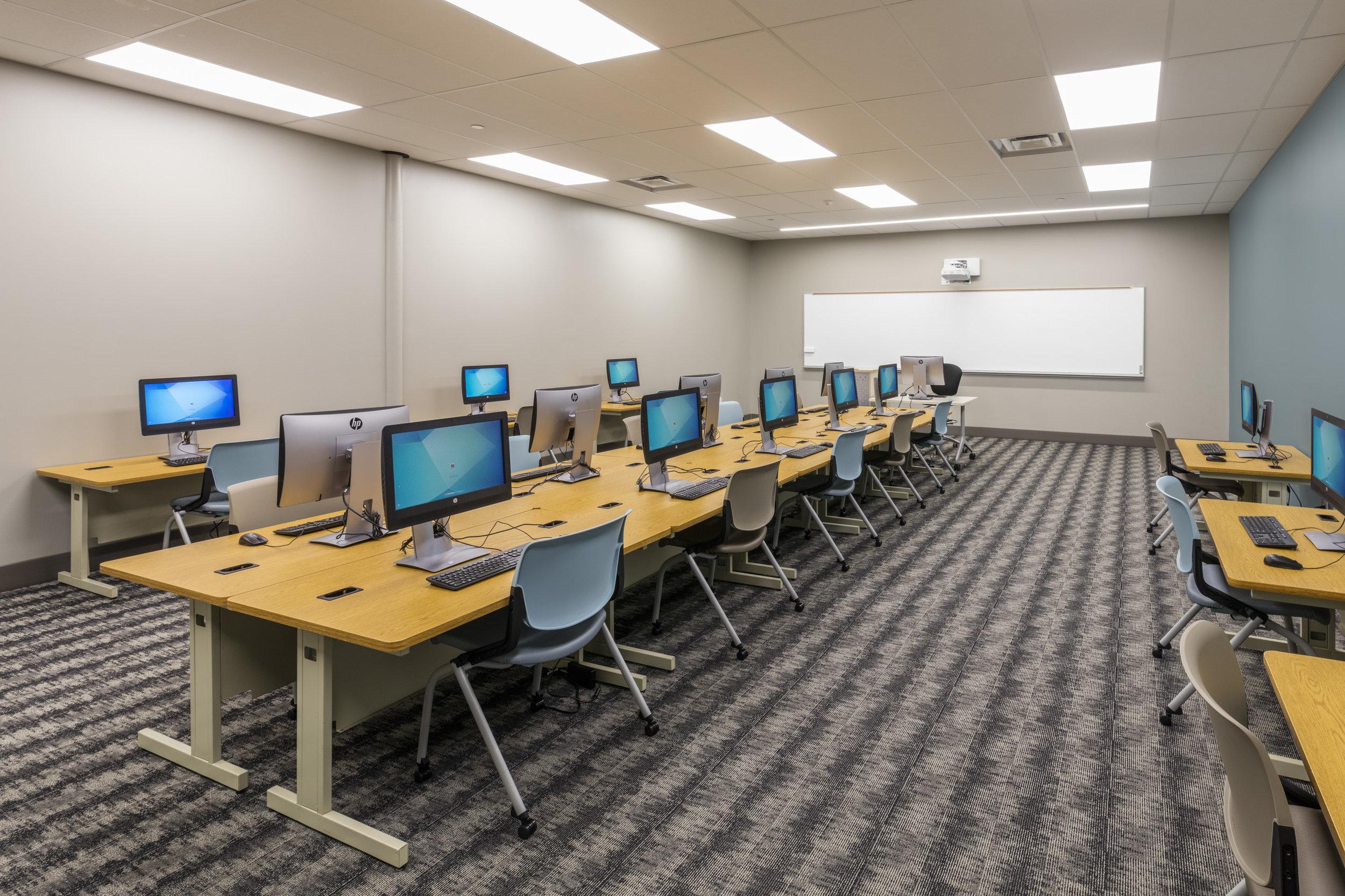 FLC Computer Lab.jpg