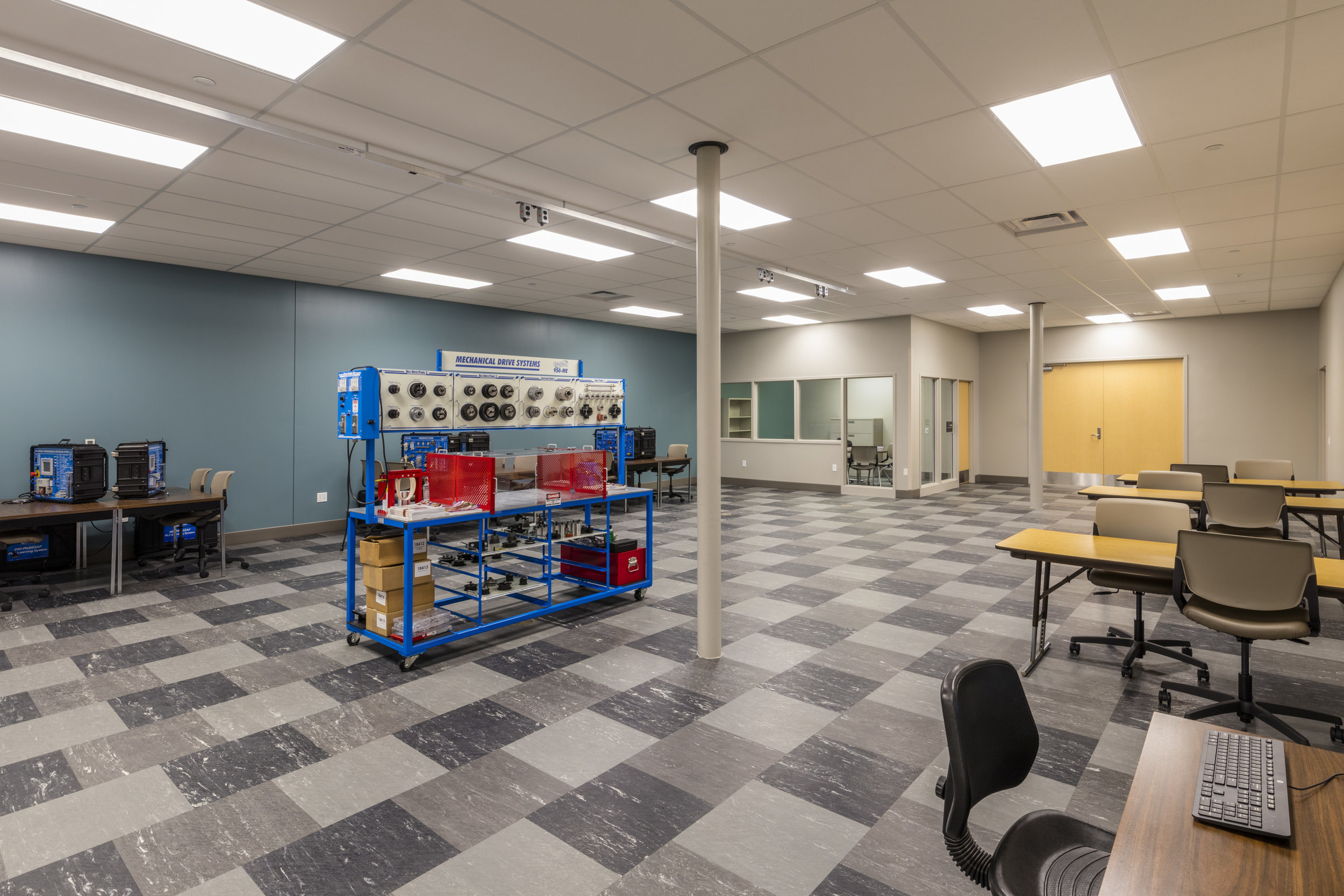 FLC Interior Mechatronics Lab.jpg
