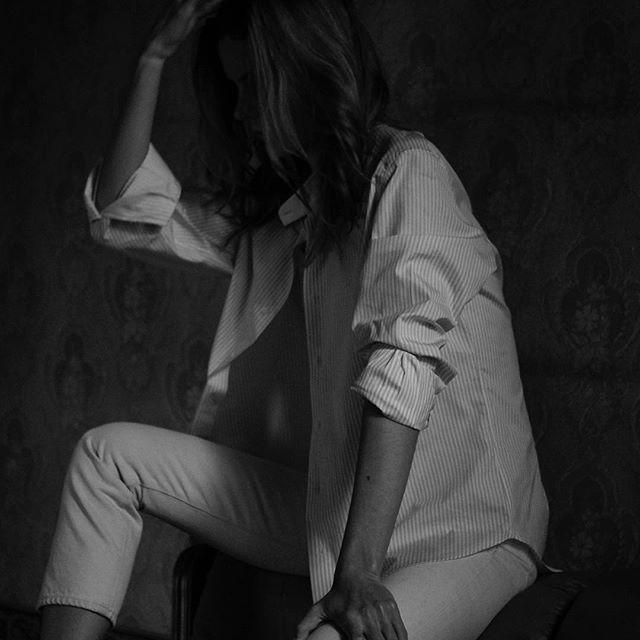 Kseniia  wearing an #AneddaShirt #handmadeinfirenze #madeinflorence #anedda #handmadeinflorence #shirts #luxurushirt #tailormade #highendfashion  #highenddesign #bespokeshirt #pittiimmagine anedda.com