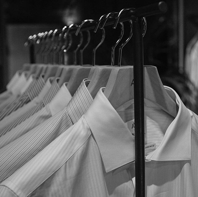 Last Pitti @ Flow Store #AneddaShirt #handmadeinfirenze #madeinflorence #anedda #handmadeinflorence #shirts #luxurushirt #tailormade #highendfashion  #highenddesign #bespokeshirt #pittiimmagine anedda.com