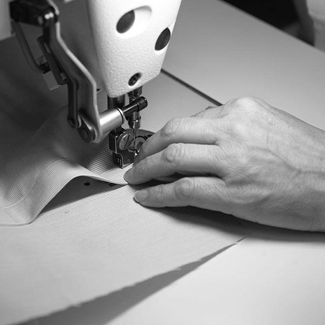 Making an #AneddaShirt #handmadeinfirenze #madeinflorence #anedda #handmadeinflorence #shirts #luxurushirt #tailormade #highendfashion  #highenddesign #bespokeshirt #pittiimmagine anedda.com