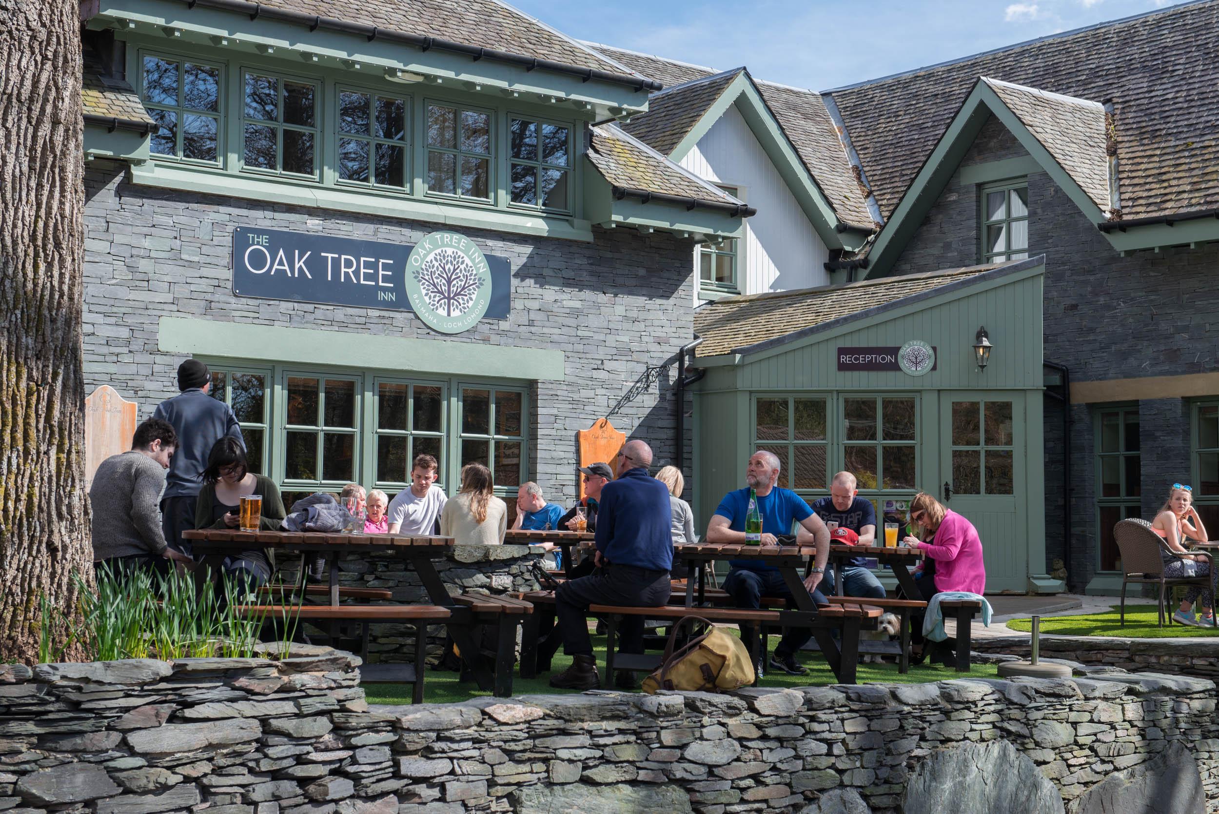 Oak-Tree-Inn-2.jpg