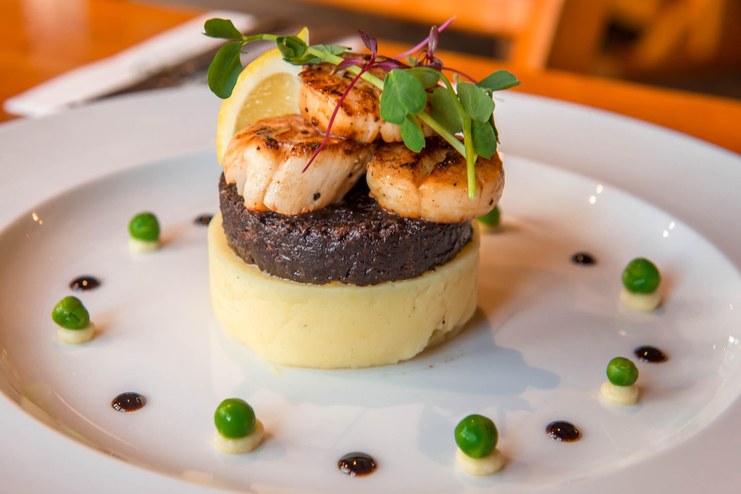 Restaurant, Oak Tree Inn, Balmaha, Loch Lomond