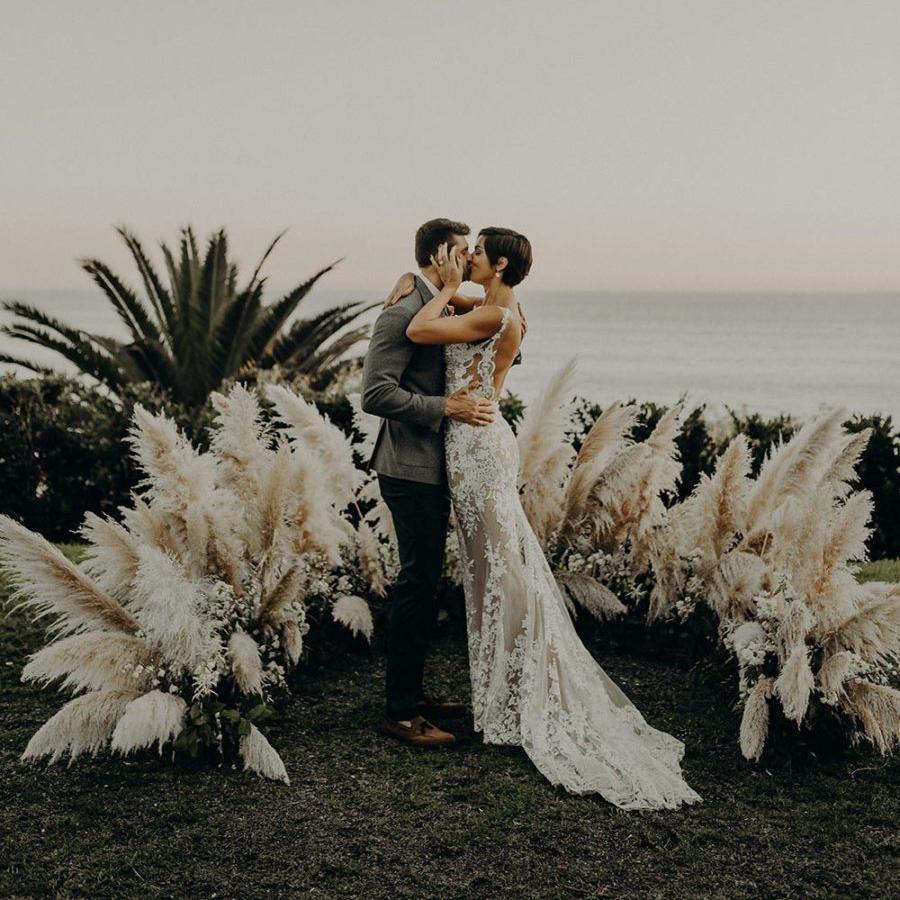 Dreamy oceansidewedding - featured onruffled blog