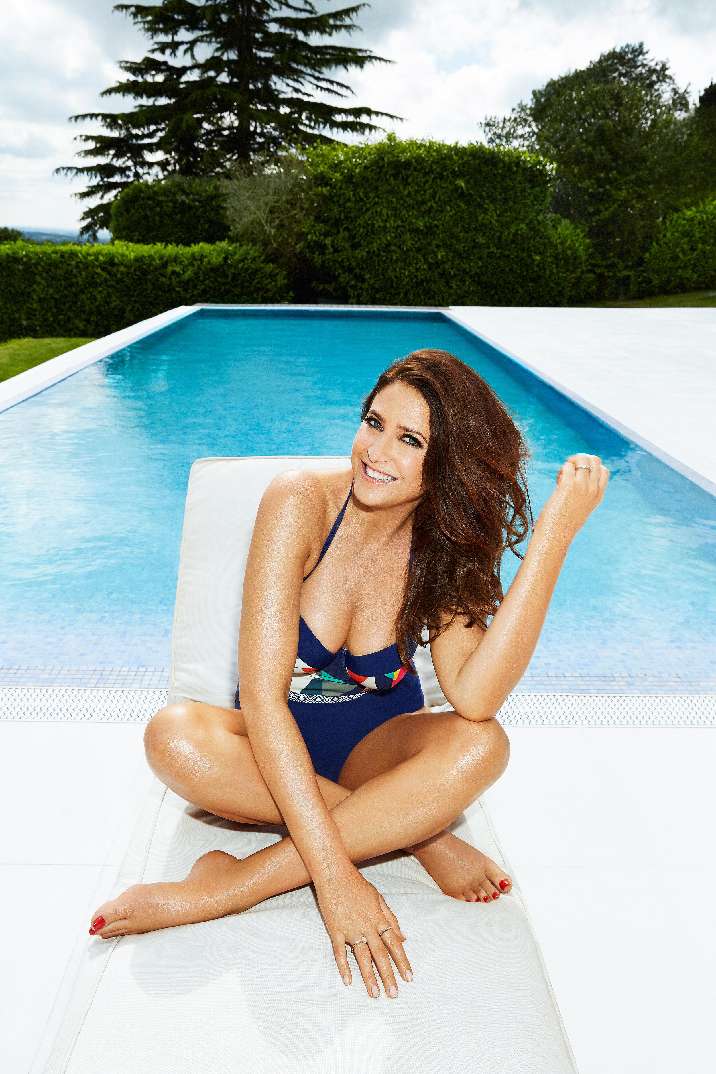 Müller bikini laura Laura Cox