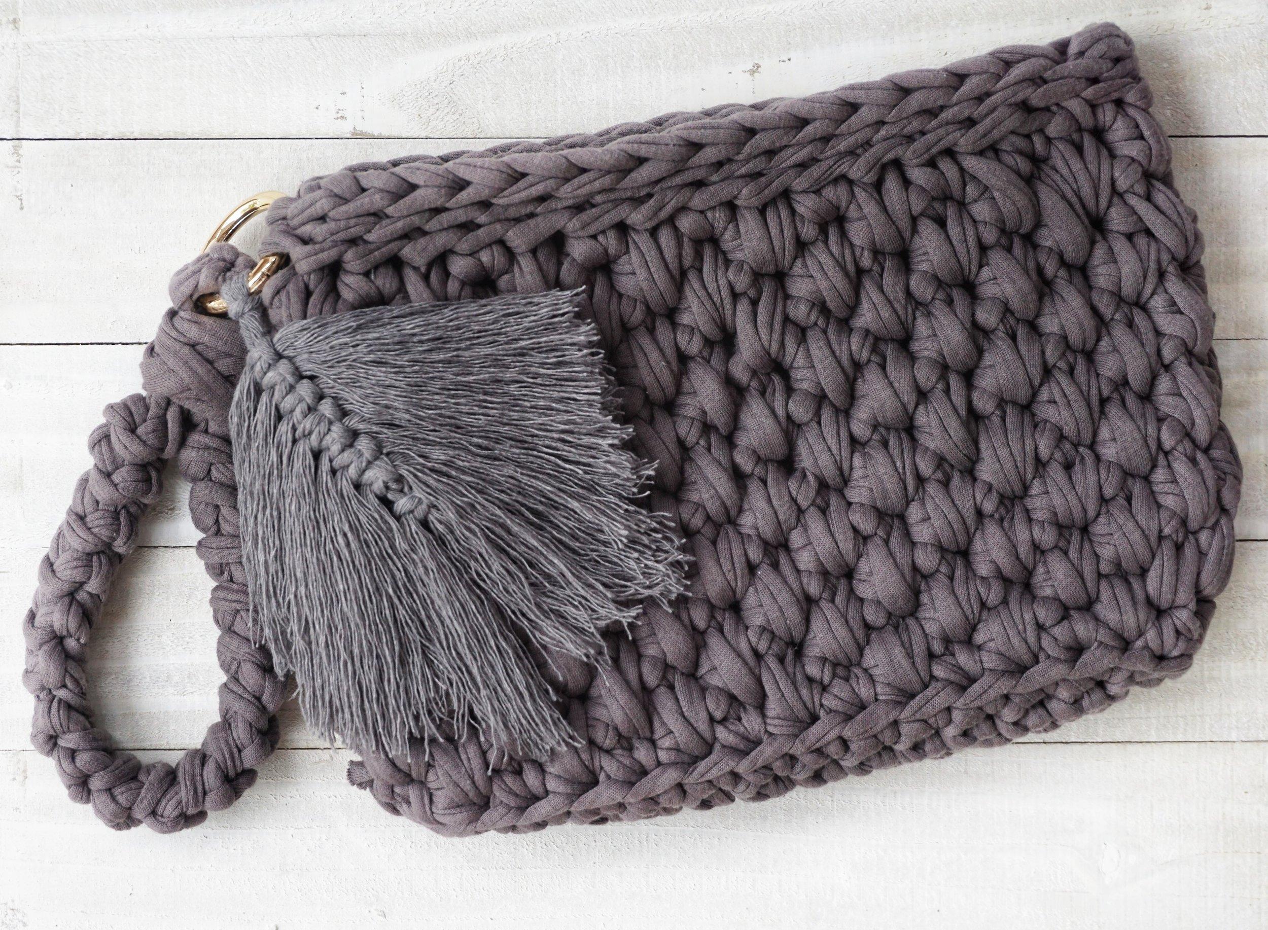Wristlet Clutch Purse Free Crochet Pattern