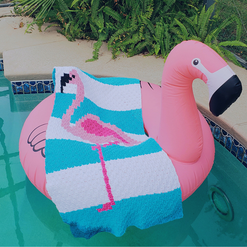 flamingo towel.png