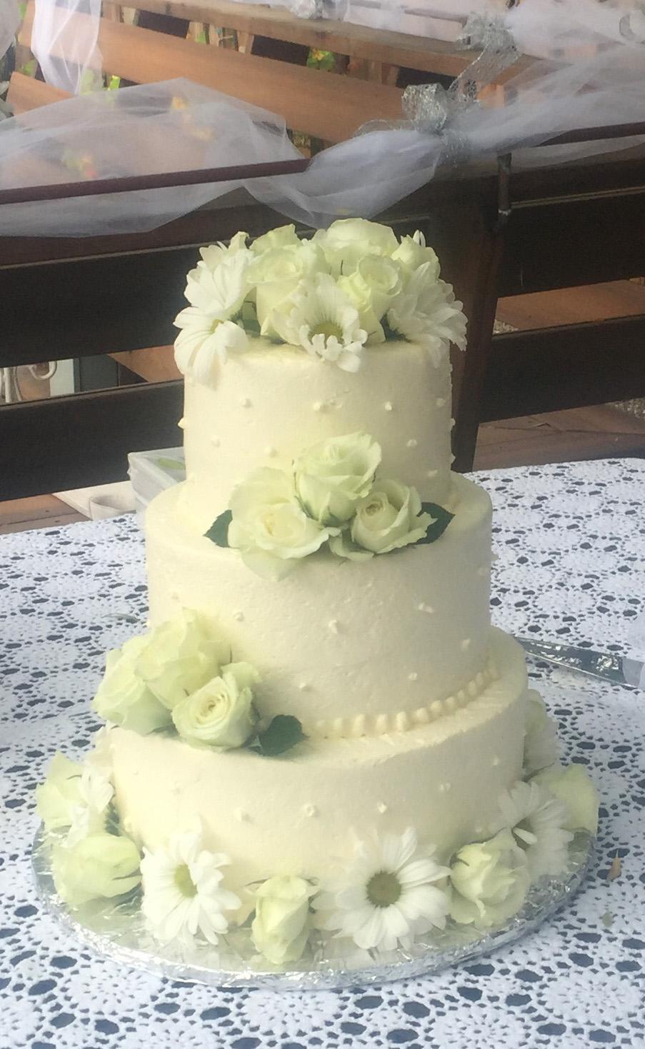 wedding-cake-floral-hmb-bakery.jpg