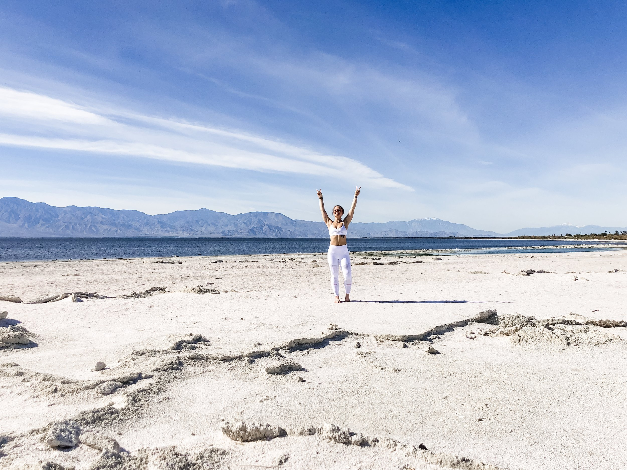 Salton Sea, California | Feeling myself in my favorite  Alo Yoga