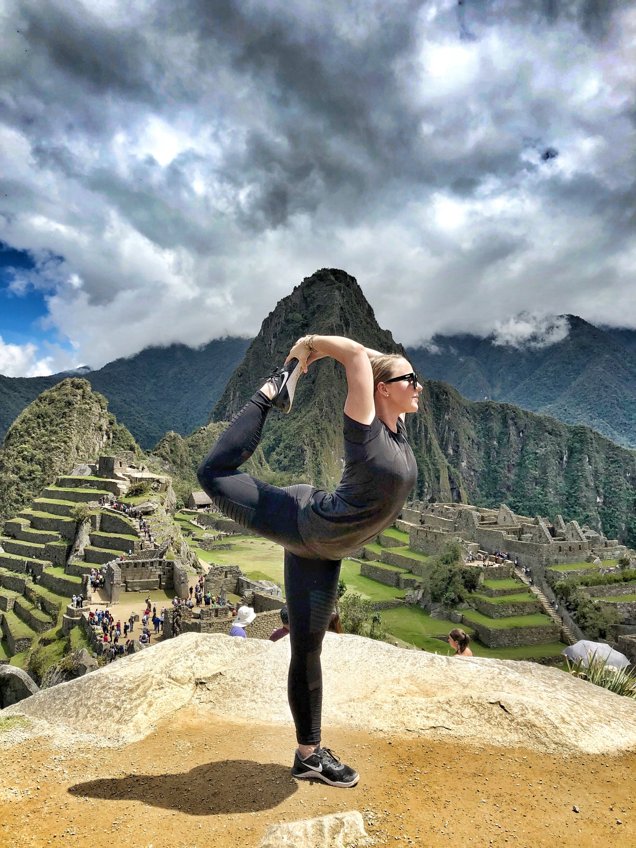 Yoga @ Machu Picchu: had to do it!