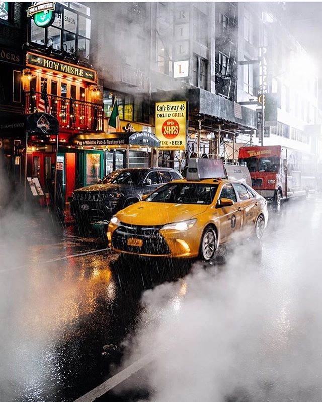 Waave is built for the everyday New Yorker. Where does waave take you? Click the link in our bio to request your first nyc taxi ride from your phone, no surge pricing and upfront fares always. 👉 @waavenyc [puc by @imthejam ]