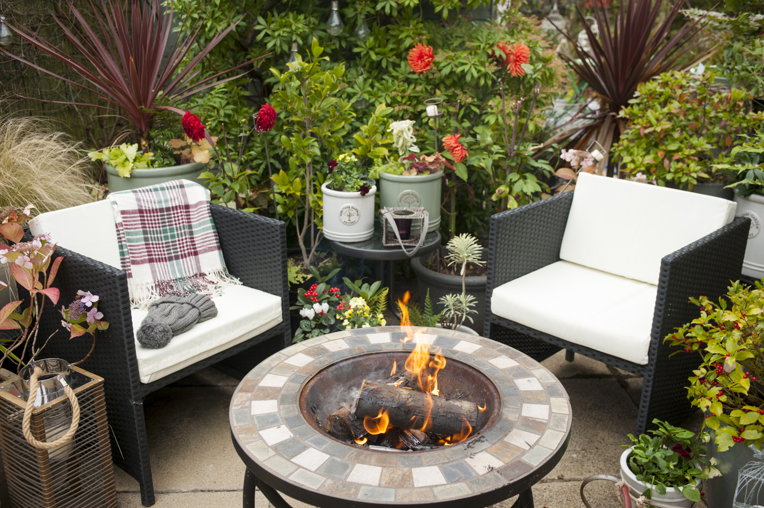 pots-and-pateriors-winter-garden-patio-woodburner-firepit-plants-pots-edinburgh-chairs-furniture-coffee-table.JPG