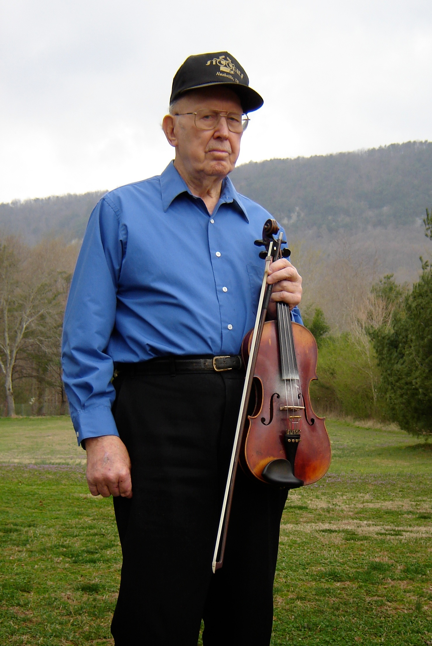 Clint Kilgore, Sequatchie Valley fiddler. Early 2000s. Clint Kilgore was a fine fiddler and played in Chattanooga with 1920s recording artist Jess Young when he was a teen. Not too long after, he gigged with Lowe Stokes just south of Chattanooga, Tennessee. Photo by Joseph Decosimo.