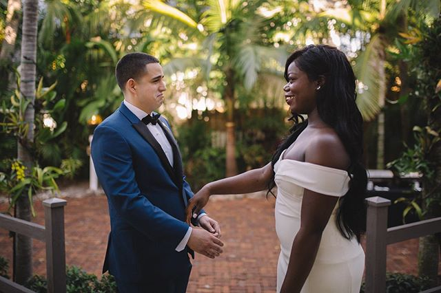 SWIPE ➡️ to see this first look! Juan & Tierra's wedding in Key West was so tropical and gorgeous I am still beaming over these photos ✨✨ . . . .  #weddingideas #newlyweds #elopement #bridetrends #weddingdress #creativewedding #weddingideas #marrymetampabay #huffpostweddings #theknot #jasminebaetzel  #weddingtrends #weddinginspiration #weddinginspo #weddingportrait #bridalportrait #floridabride #keywest #keywestwedding #keywestweddingphotographer #audubonhouse #audubonhousetropicalgardens #firstlook #firstlookwedding