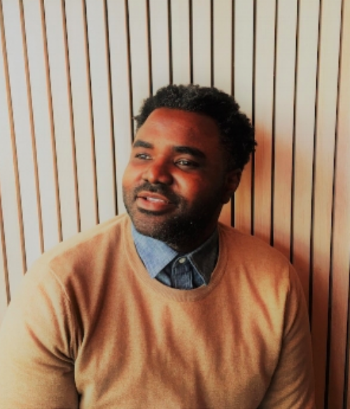 Quantas is a 10-year resident of Chicago who loves discussing race, cooking, history, social justice, marketing, and psychology. You can follow his thoughts on Twitter at  https://twitter.com/quantas_ginn