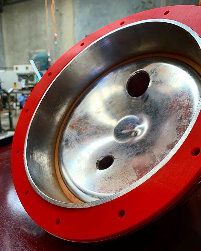 At AE we custom make gaskets and seals for all your beer and wine tank needs 🍺🍷 . . ⚡️Red gasket used for wine tank top or side entry doors ⚡️White tank seal manufactured with customised profile ⚡️ Another type of seal... . . . Contact us now or visit our fancy fresh new website for all seal details. . . . #seals #tankseals #customseals #customprofile #brewbusiness #ferment #foodandbeverage #powergeneration #oilandgas #mining #medical #marine #rail #defense #armstrongenergy #website #machining#parts #engineeredparts #plastics