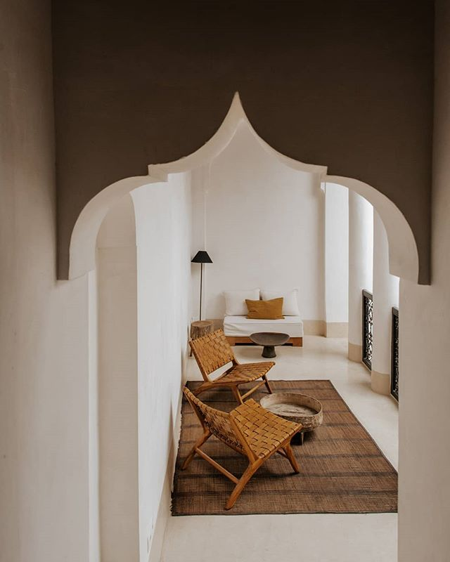 Tadelakt and archway details in this beautiful remodelled riad. Shot for @riad42marrakech.