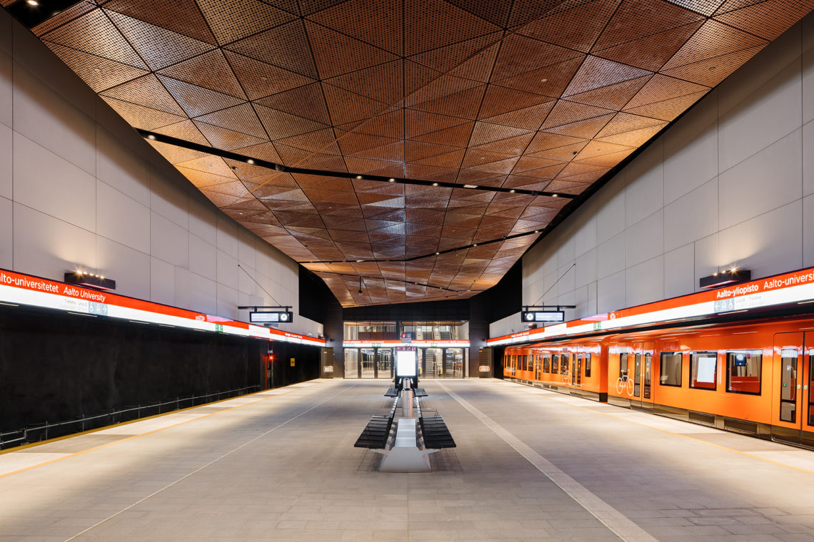 From Otaniemi to Helsinki city center in 10 minutes - The metro is the fastest and most convenient way to travel to Helsinki from the Otaniemi campus.