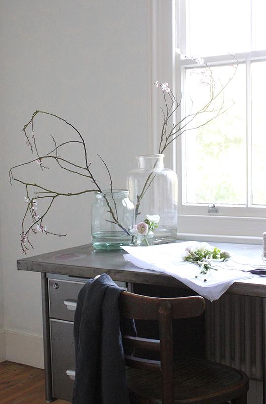 a quiet style desk
