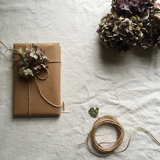 brown-wrap-hydrangea