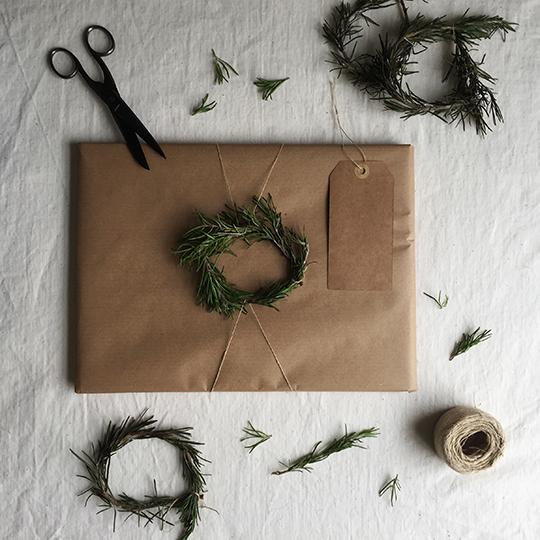 gift-wrap-rosemary