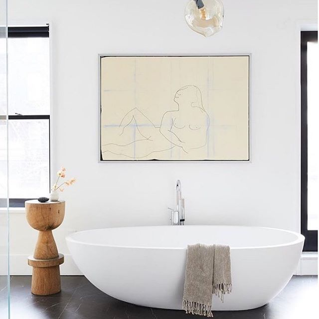 N + B always opt for calm and neutral artwork in bathrooms. This @annieleslau image is a lovely example ✨ . . . . . #bathtub #artadvise #interiordesign #bathroom #refurbishment #bathroominstallation #interior #build #style #inspiration #style #modernhomes #beautifulbathrooms #clamingspaces #londonliving #lifestyle #newhomes #interiorbloggers #interiorblog