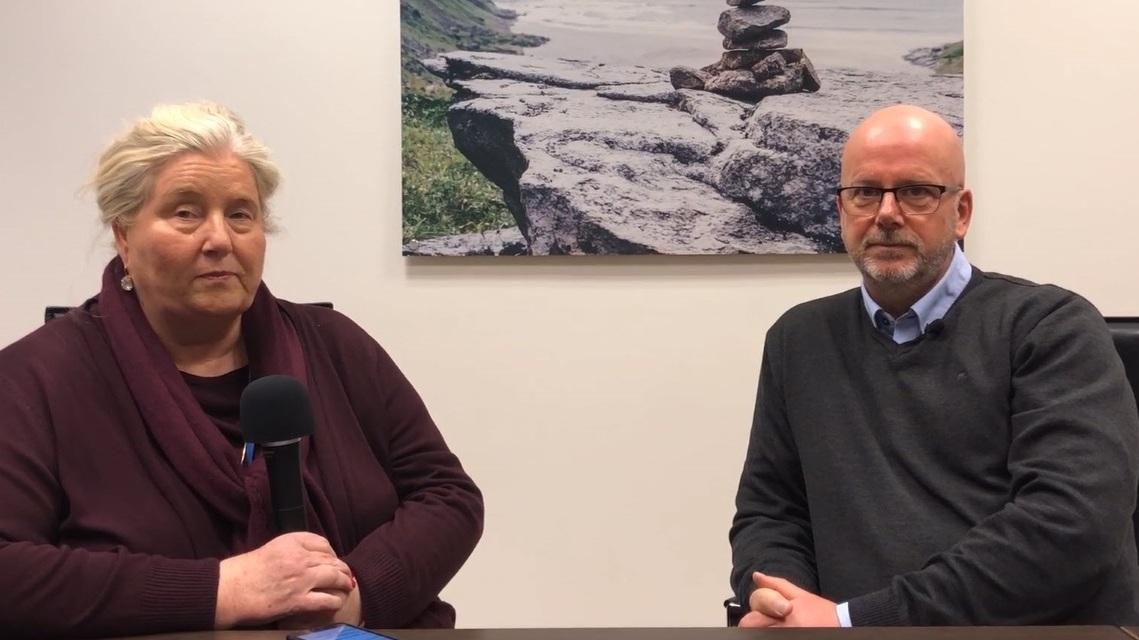 Mette Engebretsen, leder for markedstilgang og samfunnskontakt i Roche Diabetes Care og seniorrådgiver Jan Ivar Ingebrigtsen i Melanor (klikk på bildet for å se video)