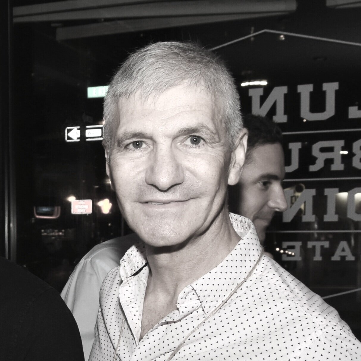 SIMON OREN    Partner   Oren is the owner and founder of Chef Driven and Tour de France Hospitality groups. Oren's brands and concepts are mainstays of contemporary New York dining and socializing with a strong emphasis on design, food, beverage and enlightened service.