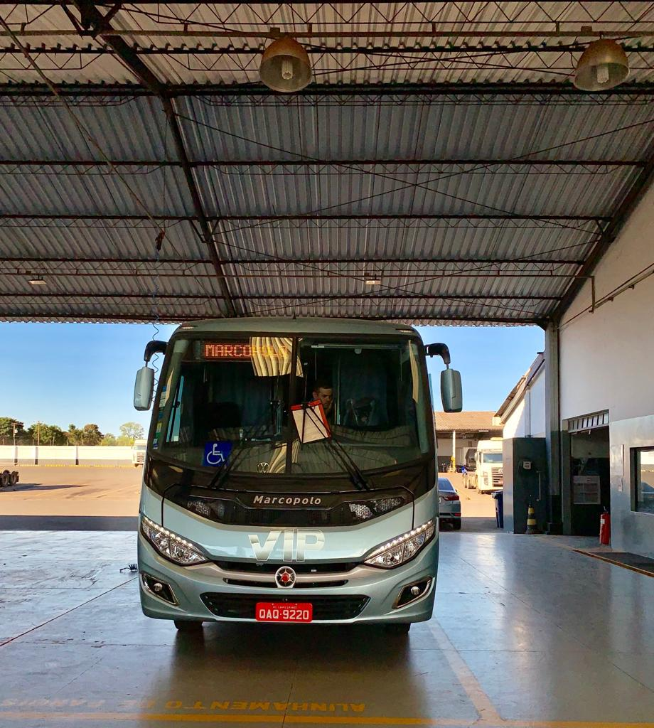Micro-ônibus VW 9.160 06.jpeg