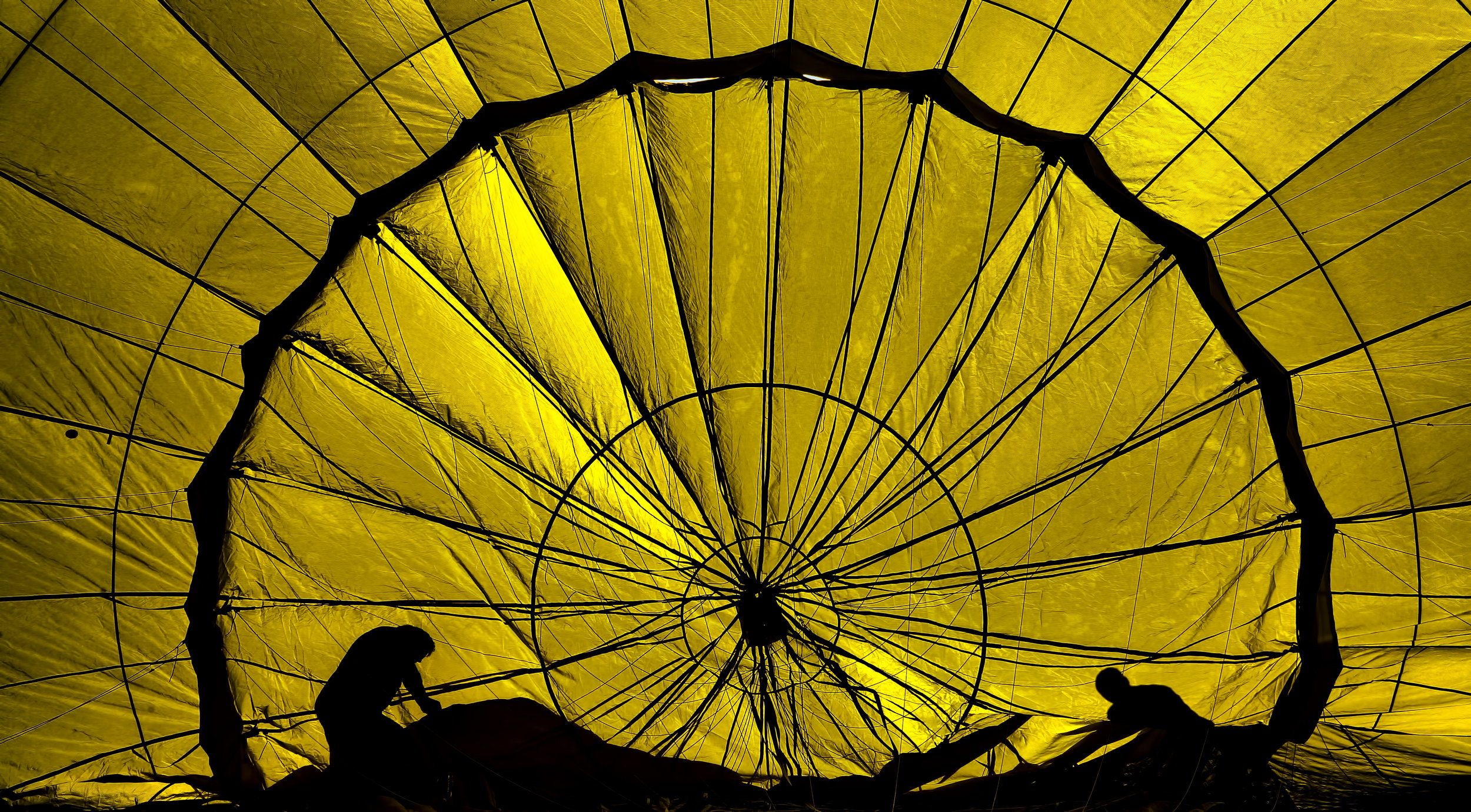 Parachute use to prevent death and major trauma when jumping from aircraft: - Randomized controlled trial