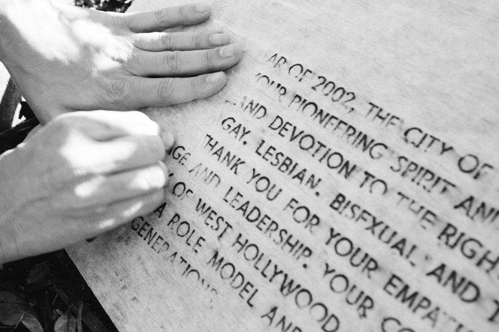 Close up of rubbing Steven Reigns Gay Rub Photo by Tony Coelho.jpg