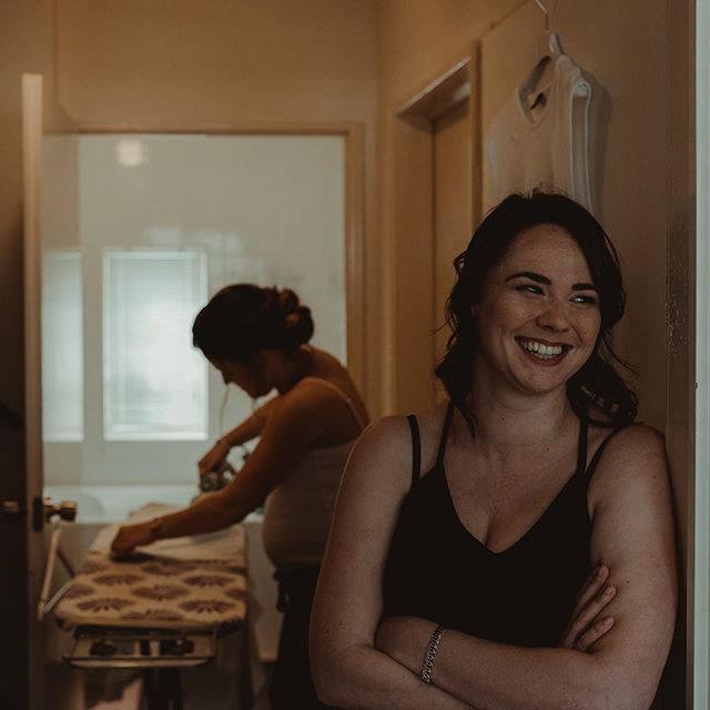 Editing day! These are my kind of pictures. Love the smile on her face watching everybody getting ready. And loveeee the girl ironing last minute!