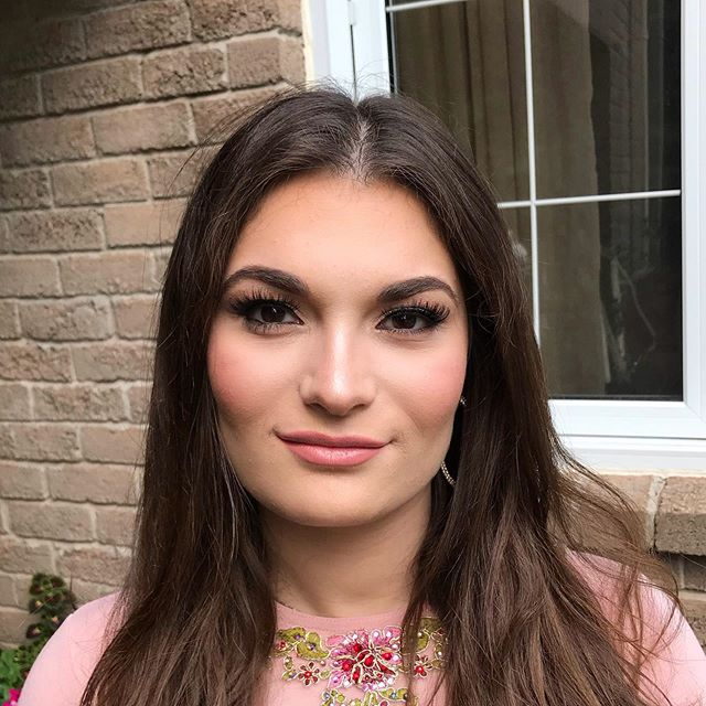 ✨All the way from Brooklyn, meet Rikki. Lovedddded glamming her up today for a wedding! 🤩 #makeupbyagnes #beauty #perfectlyposh #makeupofig #contour #highlight #makeuptakesskill **** scroll through my stories to see the #before and #after