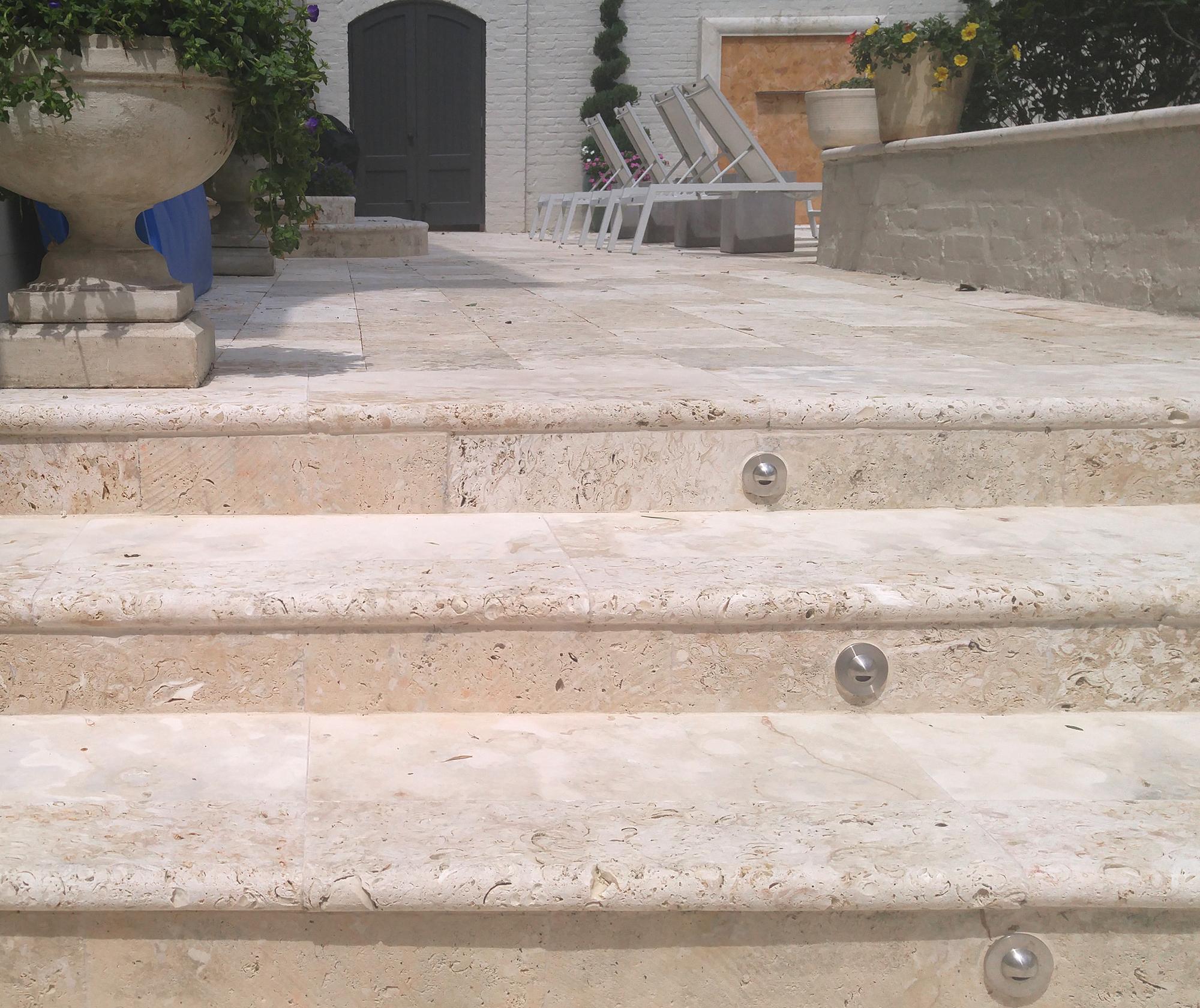 Ostra_steps_Beven_2000x1681_0520161057.jpg