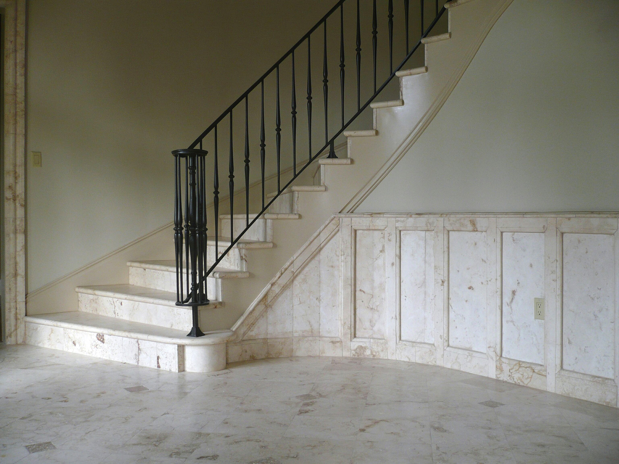 BF_Stairsfoyer_2000x1500_2007.6.20_0049.jpg