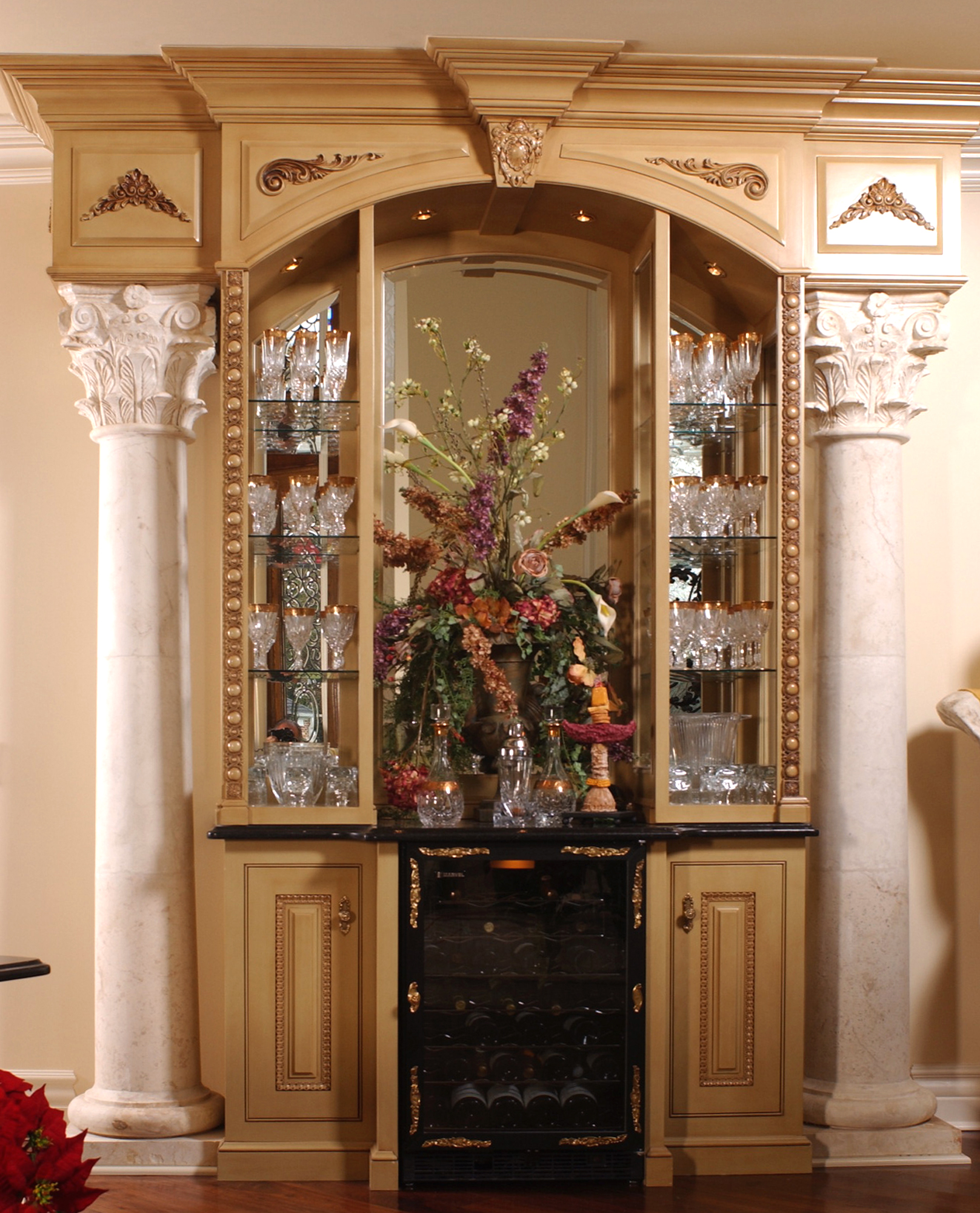 Guidry_1617x2000_2 Corinthian at china cabinet_DSC_0113.jpg