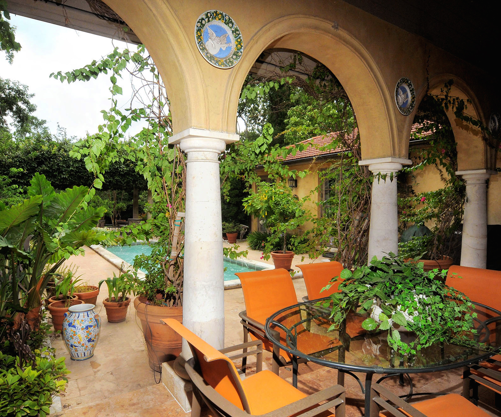 Tuscan_Kirtland_Loggia to pool_2000x1665_Edit016.jpg
