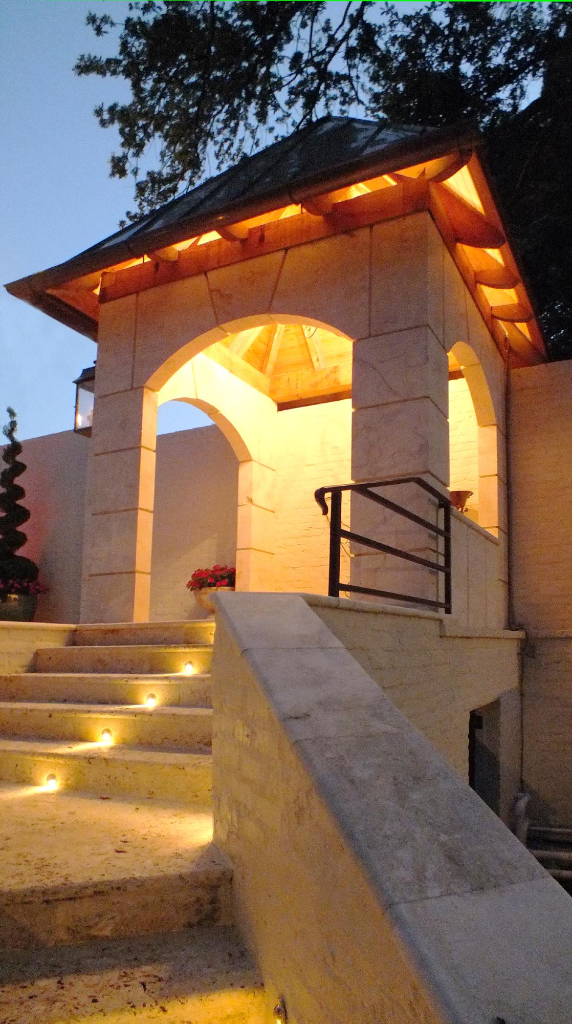 Bella Dura_Psgwy House_Macedonia Limestone_1118x2000_DSCF1230.jpg