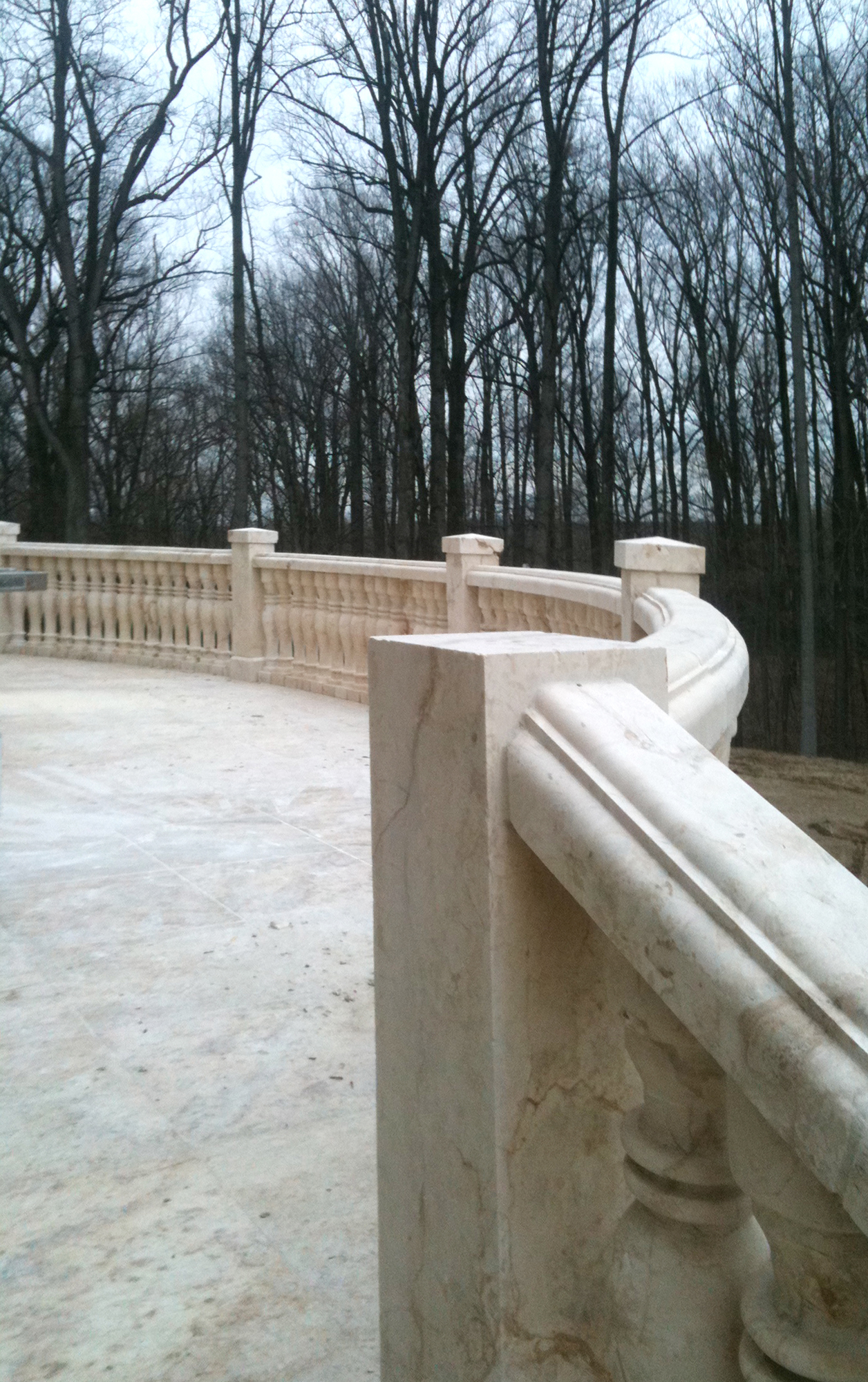 Dalloul_baluster system curved. back balcony_photo_1256x2000px.jpg