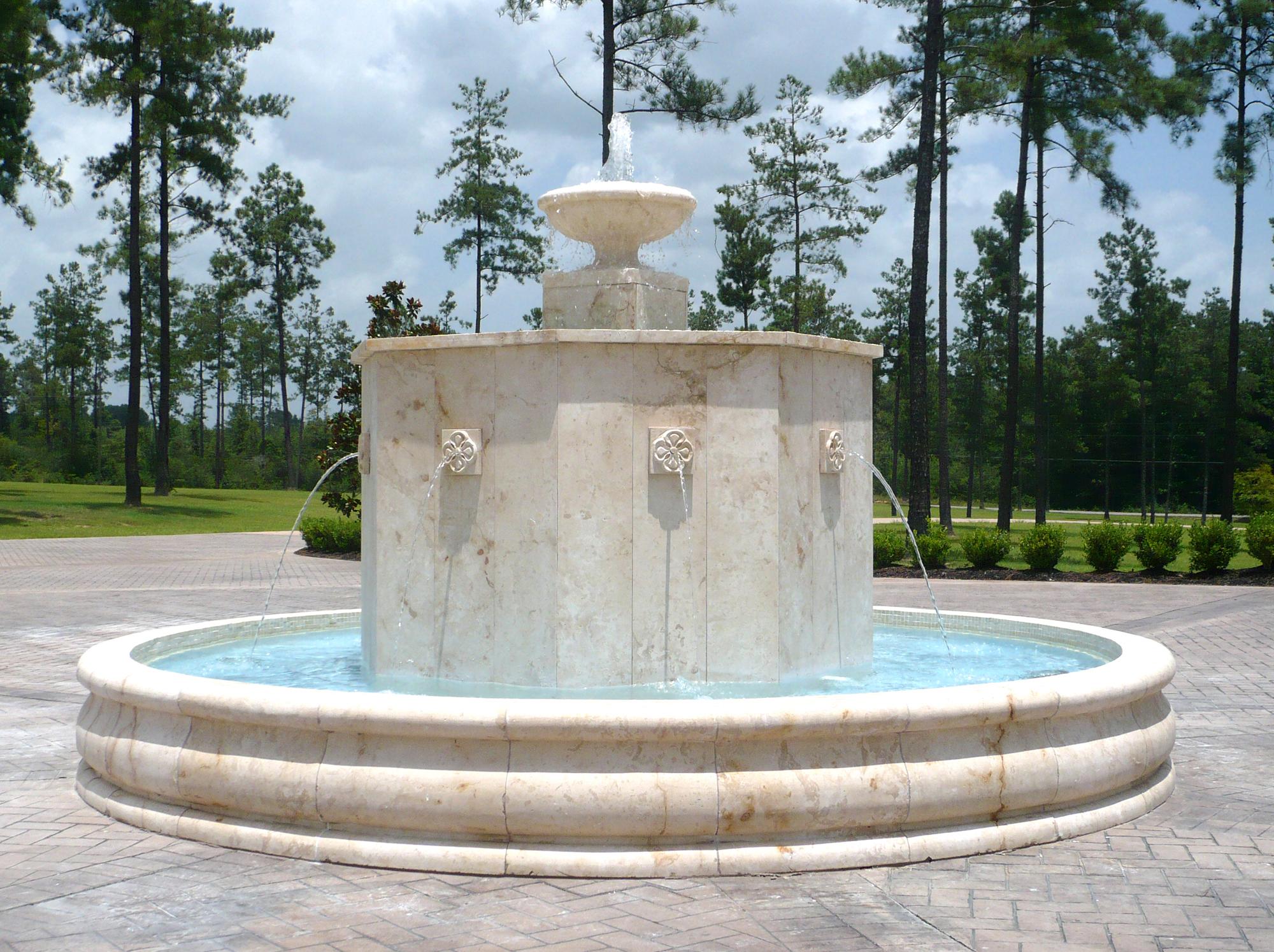 7.Leto fountain_2000x1495_P1060815.jpg