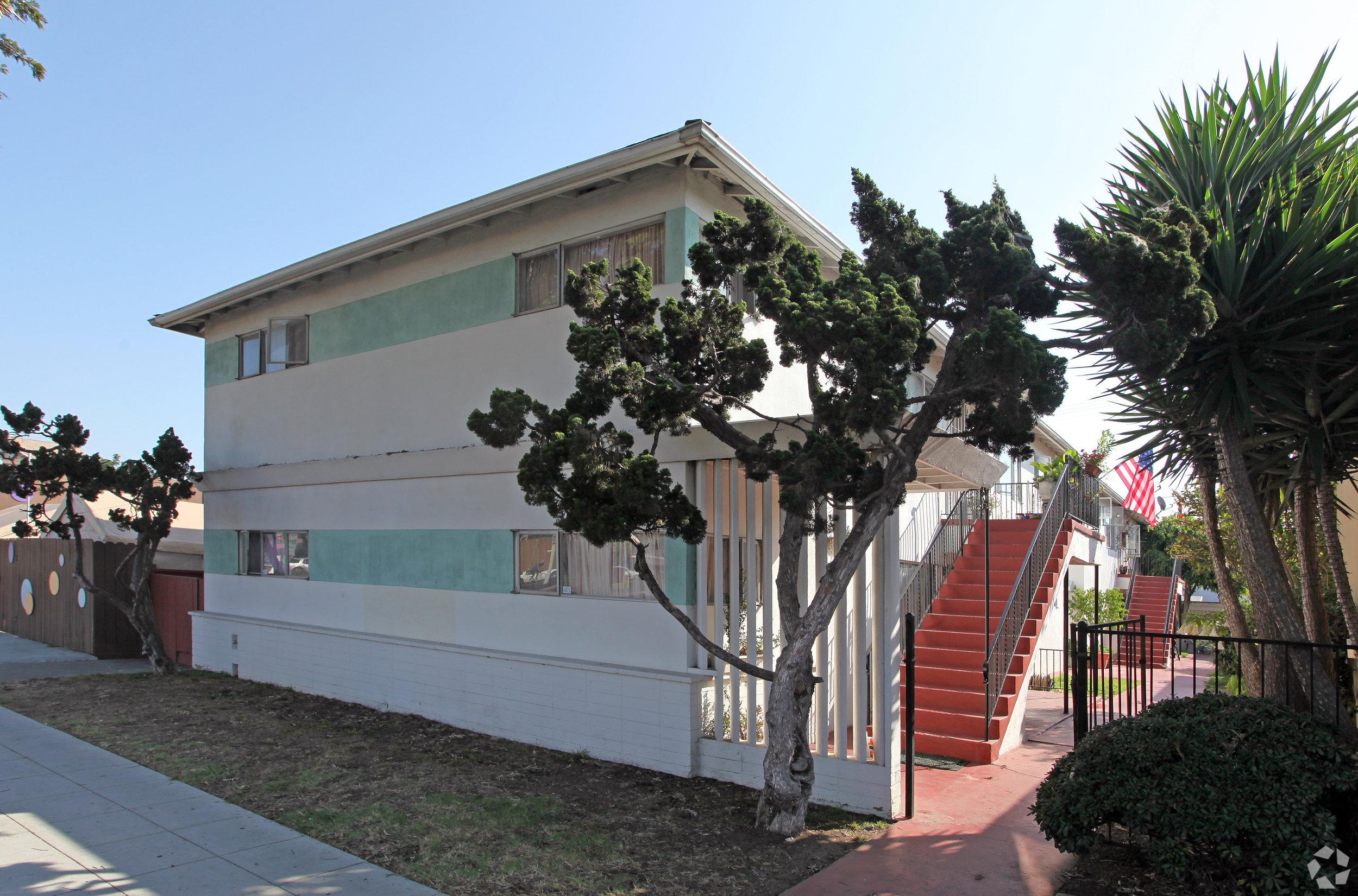 4109 Park Boulevard - Hillcrest8 Units$2,000,000