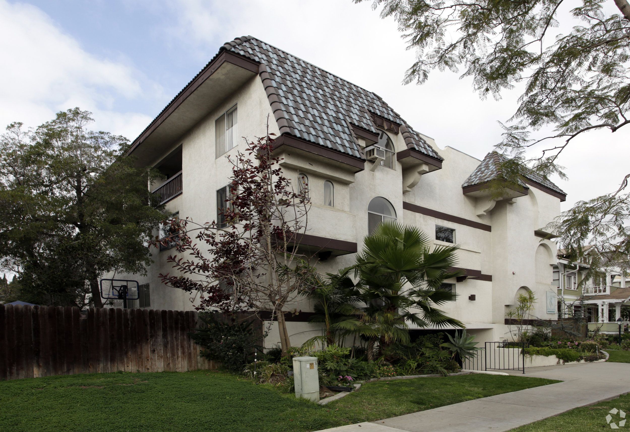 3132 3rd Avenue - Bankers Hill13 Units$3,892,000
