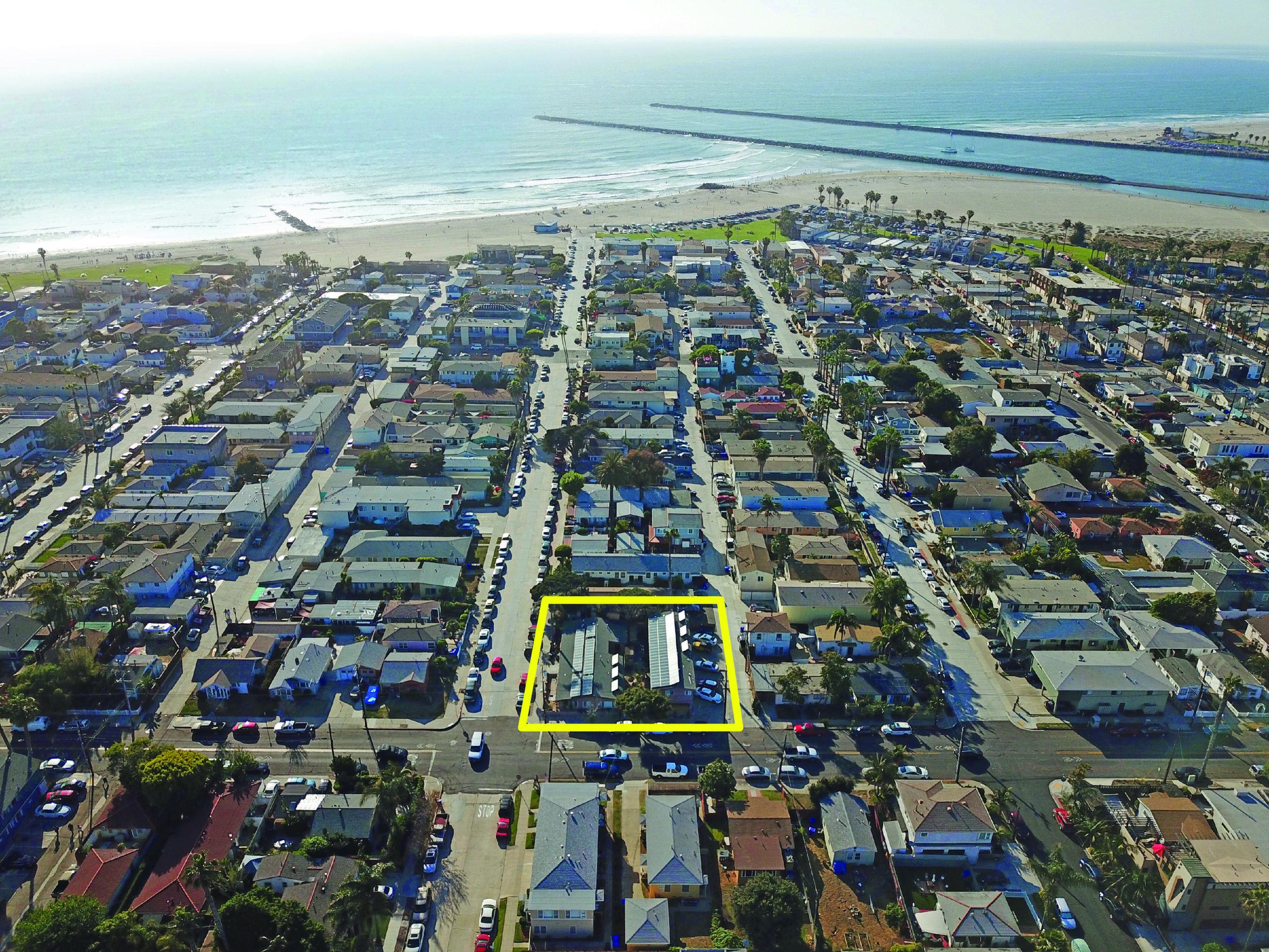 2104-10 Bacon Street - Ocean Beach11 Units$3,050,000