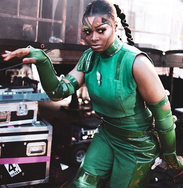 SUPER WHACK🔋  Makeup by Me  Hair @jamilahcurryhair  Styling @shirleykurata 📸 @lourdesukari  #madeinamerica #tierrawhack #whackworld #festival #droid #technologic #ai #fentybeauty #suvabeauty #philly #sigmabeauty #cosplay