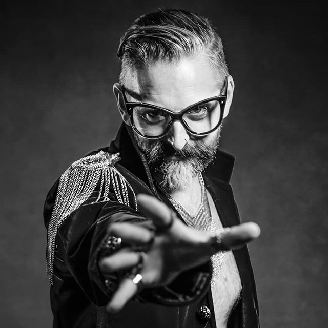 So. Much. Fun.  #thisguy #fashion #photofun #portraits #portraitphotography #theportraitmasters #tpmconference19 #totallyrad #crazyfun #instapic