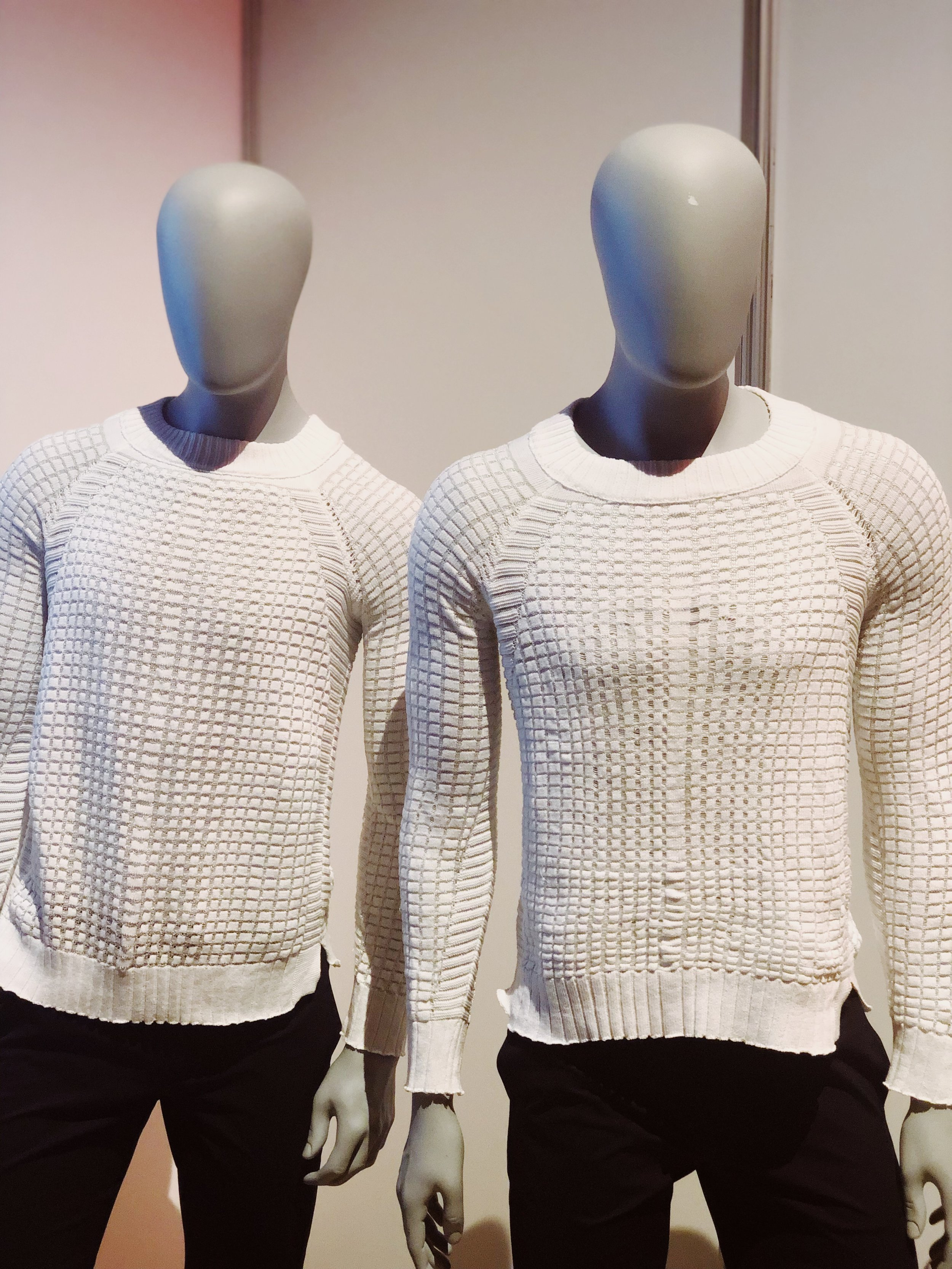 Left: A stock-size garment. Right: The same stock-size garment after Instant Tailoring.